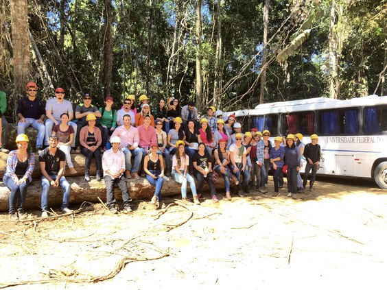 Visita a área de manejo florestal