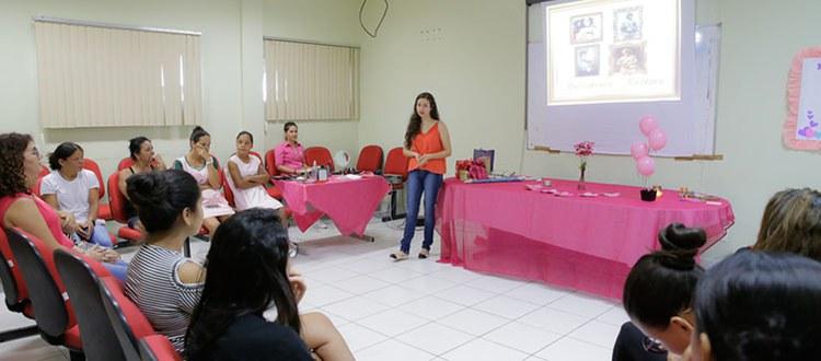 Alunos da Ufac auxiliam mães de bebês prematuros