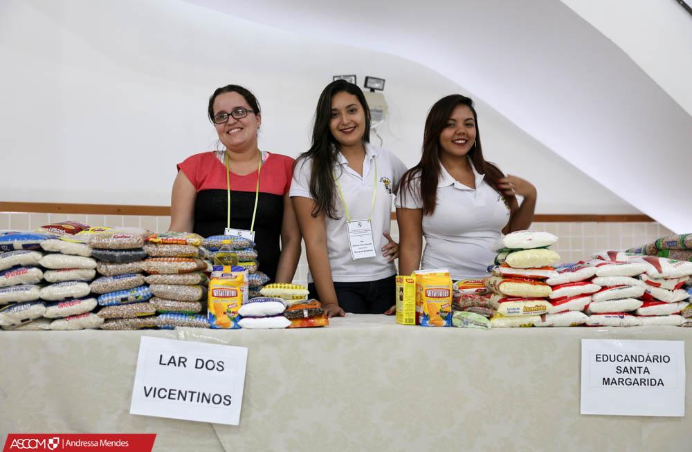 Ufac entrega alimentos doados a entidades assistenciais