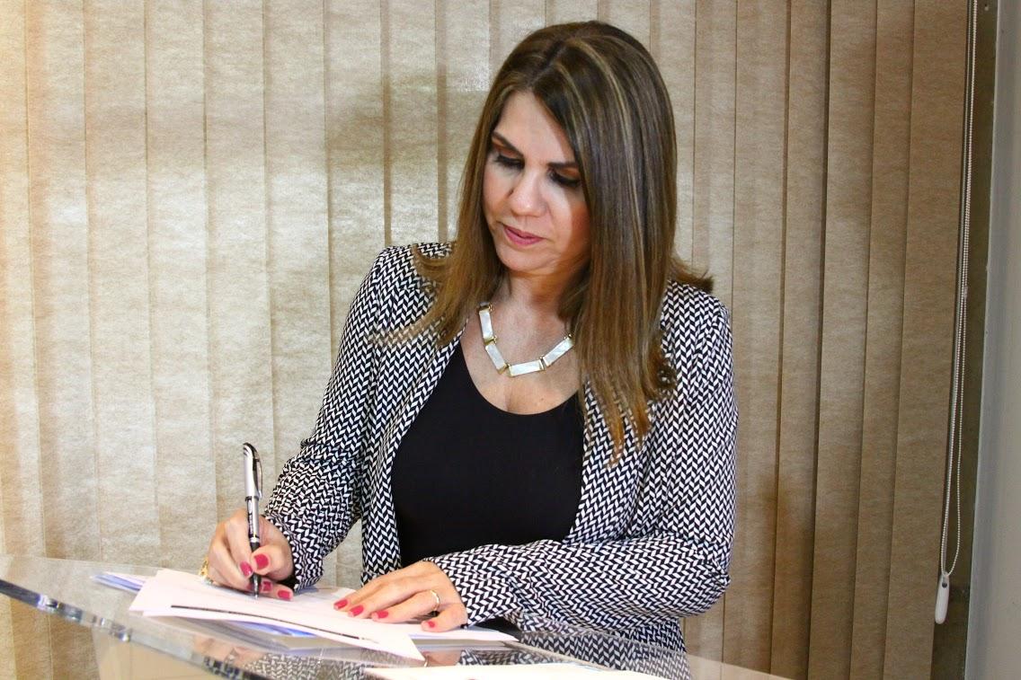 Reitora da Ufac toma posse na diretoria do Grupo Coimbra