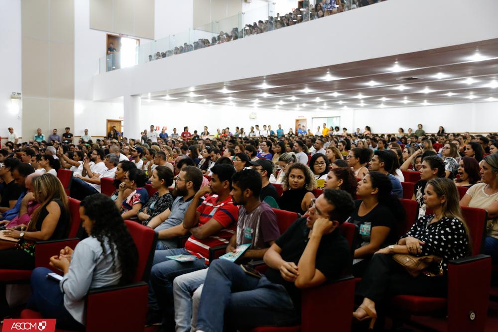 Candidatos ao reitorado fazem debate no campus-sede