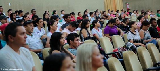 Ufac adere a programa para a formação de 1041 professores