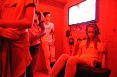 Visitantes interagem com exposições do Museu Itinerante da SBPC Jovem Mirim