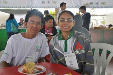 Jussara Coelho e José Fernandes, estudantes de física da Universidade Estadual do Amazonas (UEA), campus Parintins (AM).
