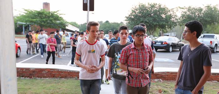 Estudantes peruanos visitam Ufac