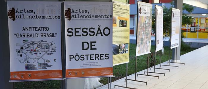 Exposições abrem o primeiro dia do 8º Simpósio de Letras da Ufac