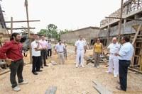 Reitor da Ufac e Sibá Machado fazem visita técnica ao Centro de Excelência em Energia do Acre