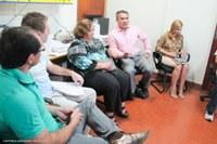 Reitor e vice-reitora visitam setores administrativos da Ufac