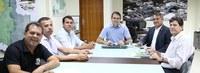 Reunião ajusta últimos detalhes para entrega de academia ao ar livre na Ufac