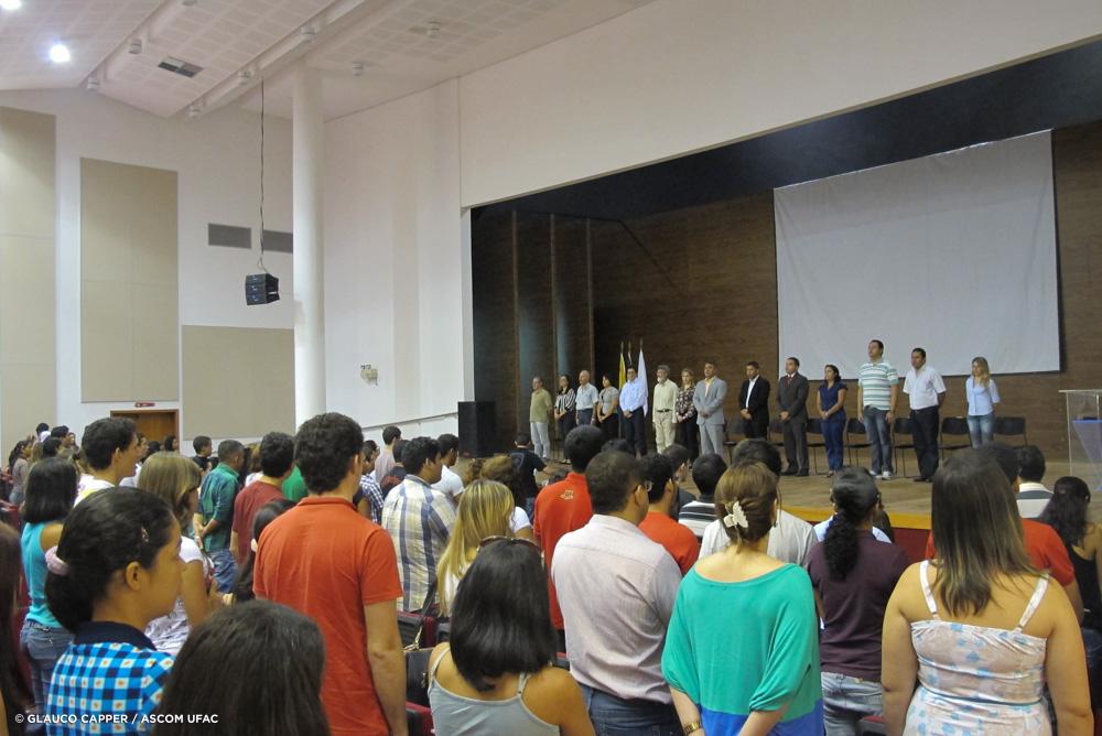 Ufac dá início ao 1º semestre de 2013