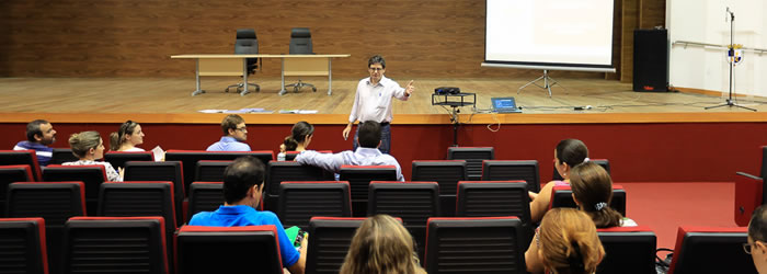 Ufac discute práticas pedagógicas de ensino por meio da Escola de Formação à Docência
