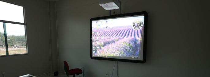 Ufac investe na melhoria de salas ambientes