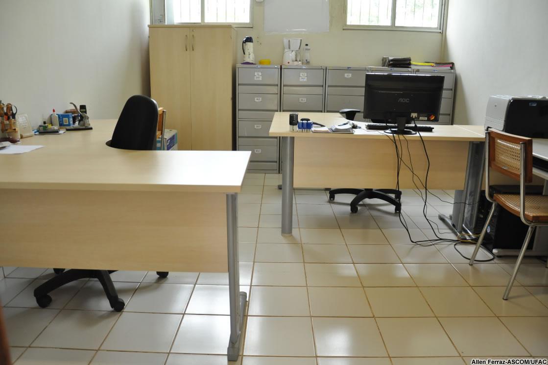 Ufac investe na melhoria de setores administrativos com novos móveis