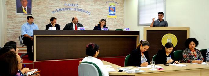 Ufac participa de sessão na Câmara Municipal