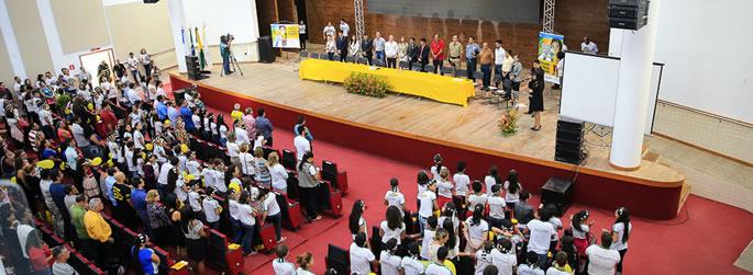 Ufac recebe lançamento da campanha 'Maio Amarelo'