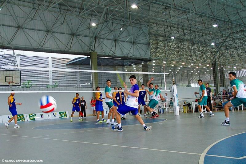 Voleibol masculino da Ufac vence confronto com a UFS
